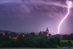 Krásný blesk vyfocený nedaleko Českých Budějovic, foto: Lukáš Gallo